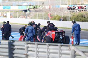 Vergne's Toro Rosso breaks down