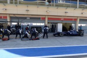 Bottas conducts pit stop practice